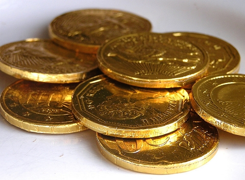 What's the Difference Between Gold Coins and Gold Bullion as an Investment?